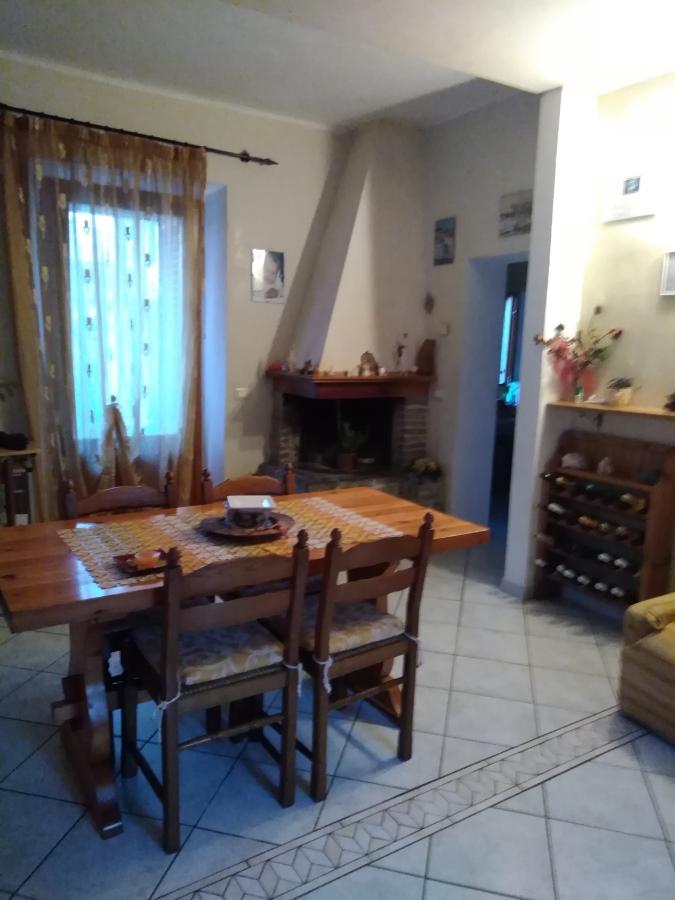 Villa in vendita a Massarosa, 4 locali, prezzo € 165.000 | CambioCasa.it